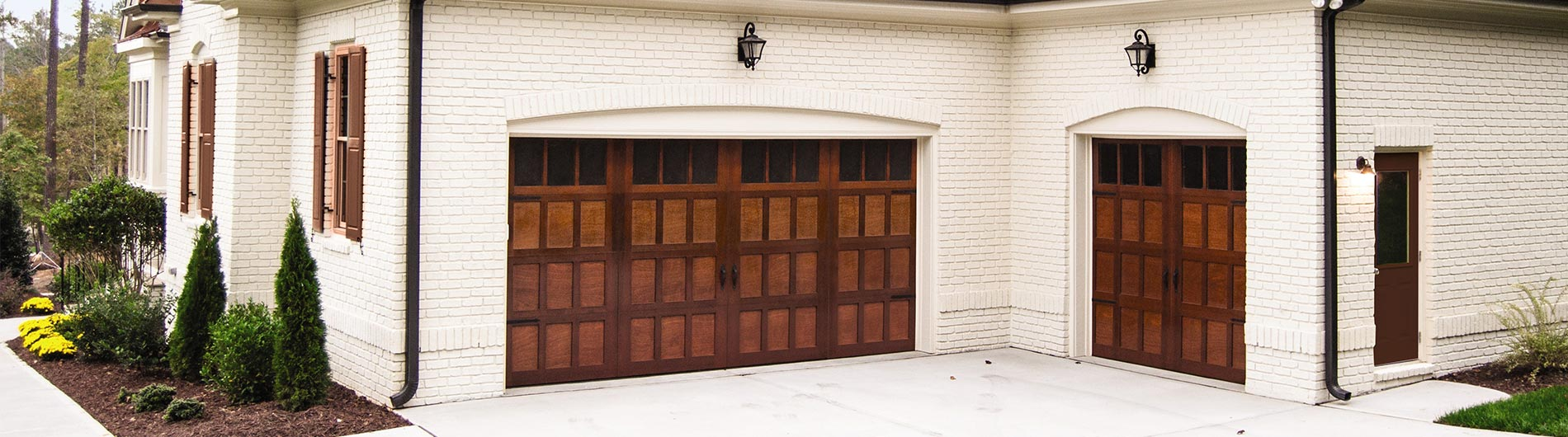 Wood Garage Doors 7104 palomino
