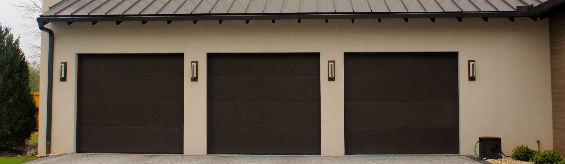 Classic steel garage doors 8300 8500 classic steel 8300 8500 contemporary panel brown rubansaba