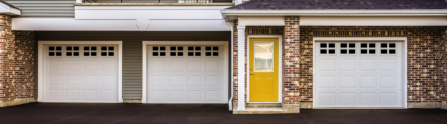 9100-9605-Steel-Garage-Door-Colonial-White-StockbridgeI ... & Classic Steel Garage Doors 9100 9605