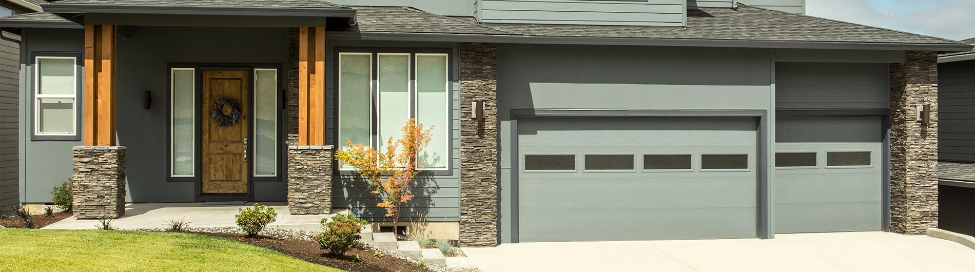 9605-Steel-Garage-Door-Contemporary-Custom-Paint-Clear-III